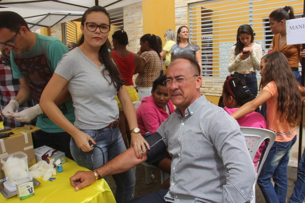 população recebe ações de cidadania na festa de emancipação politica de Bernardino Batistaão ofertadas