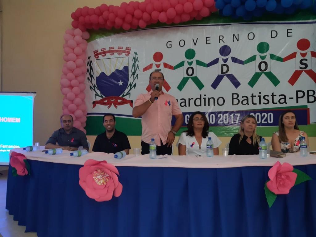 Evento alusivo ao Outubro Rosa e Novembro Azul reúne multidão no mercado publico de Bernardino Batista