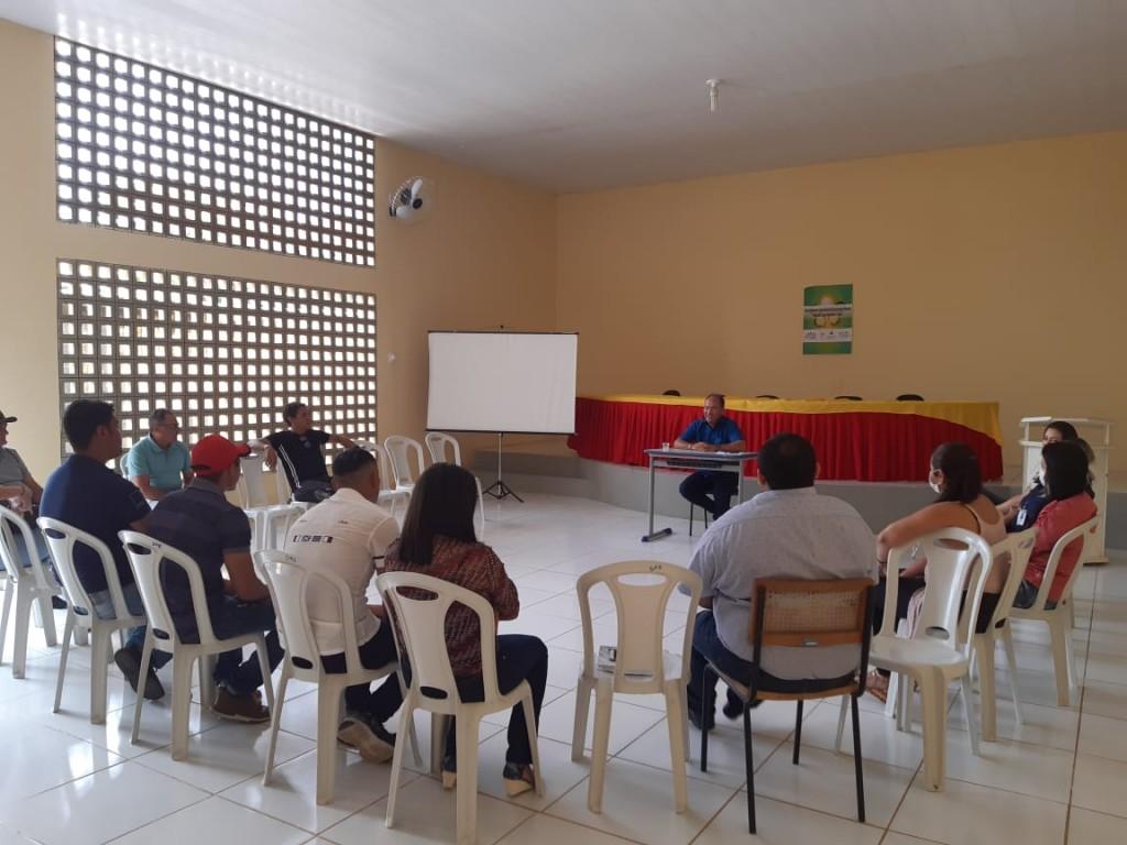 Prefeito Gervazio Gomes reúne secretários e equipe para implantar plano de contingência para o COVID-19