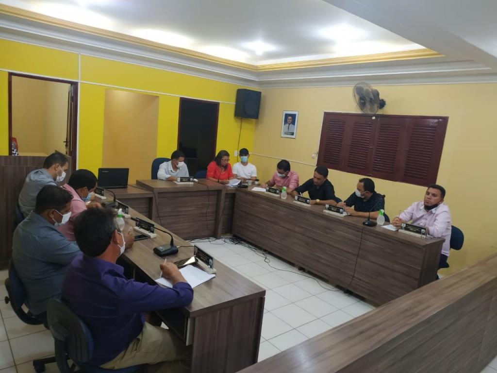 Com presença do prefeito e vice, sessão ordinária é realizada na câmara de Bernardino Batista